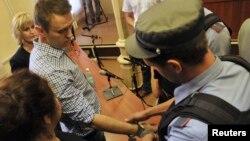 Как и предполагал Алексей Навальный, суд в Кирове его не оправдал