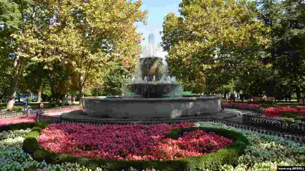 Главный фонтан на Приморском бульваре