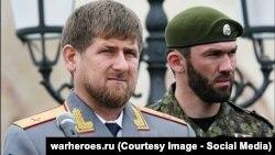 Спикер парламента Чечни Магомед Даудов на большинстве фотографий стоит по левую руку от главы республики Рамзана Кадырова