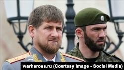 Çeçenistan prezidenti Ramzan Kadyrov və Maqomed Daudov(sağda)