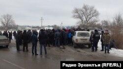 В октябре 2016 года при подъезде к селу Первомайское был убит судья района