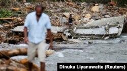 Шри-Ланка аралында жүздөн ашык кишинин дайыны чыкпай жатат.