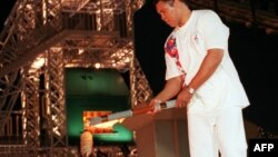 Muhamed Ali zapalio je olimpijski plamen u Atlanti 1996.