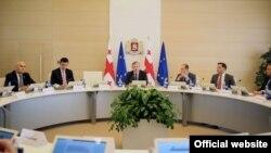 Министры советуют дождаться доработанного варианта бюджета на 2018 год, который поступит на рассмотрение парламента в начале декабря