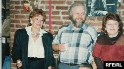 Элла Вайль, Петр Вайль, Антонина Козлова, Сергей Довлатов. Нью-Йорк, 1986 г. Фото из личного архива П.Вайля