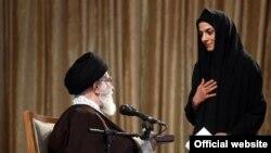 مریم هاشمی میگوید تاکنون هفت بار در ملاقات با علی خامنهایحضور داشته است