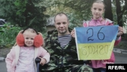 Поранений боєць АТО (фото Олександра Чекменьова)