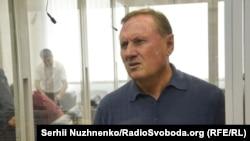 Олександр Єфремов під час засідання суду у Києві. 8 серпня 2016 року