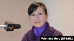 Moldova, Mariana Pagu, bookshop clerk