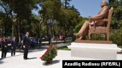 Մեքսիկա - Ադրբեջանի նախկին նախագահ Հեյդար Ալիեւի արձանը Մեխիկոյում