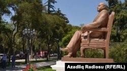 Памятник Гейдару Алиеву в Мехико, 2 октября 2012