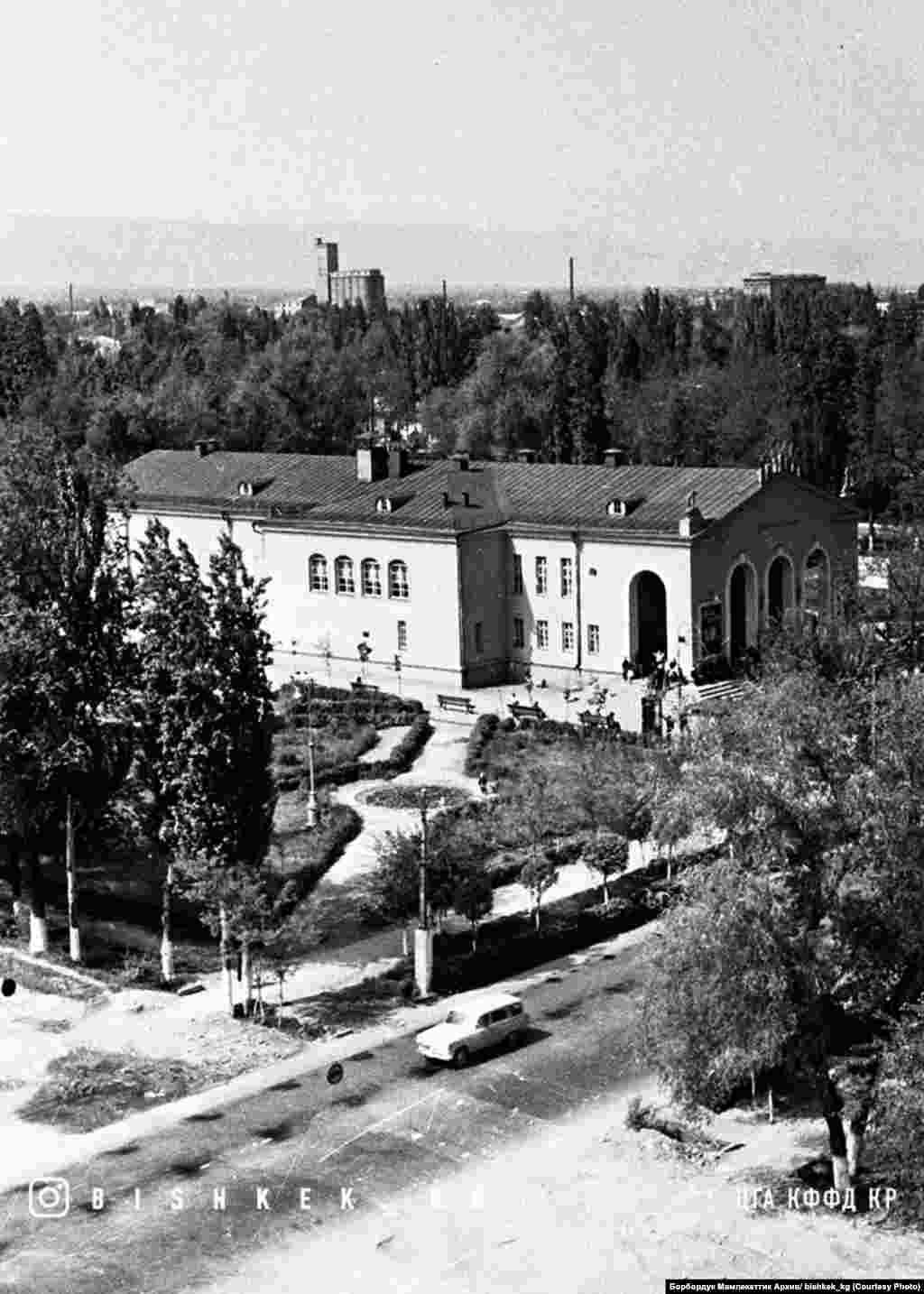 """Октябрь"" кинотеатры. 1958-жыл."