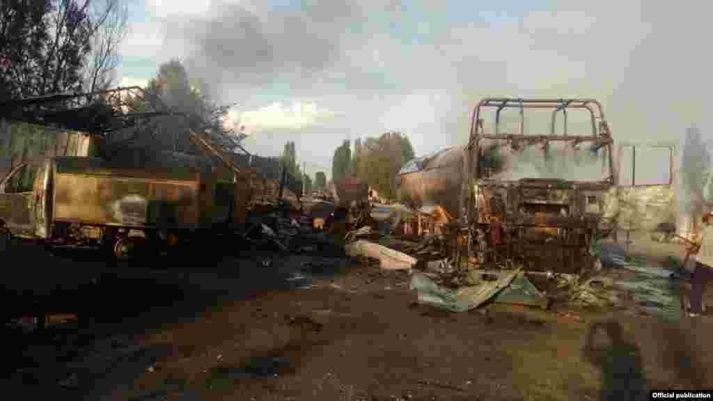 взрыв на газозаправочной станциив селе Ананьево произошел накануне, 19 июняпримерно в 17:22. По информации МЧС КР, это была частная заправка, принадлежащая местному жителю Виктору Бориско.