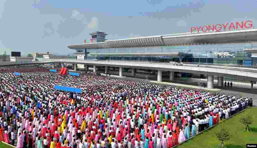Летом 2015 года с большой торжественностью был открыт новый терминал Пхеньянского аэропорта.