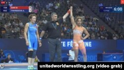 Айсулуу Тыныбекова дүйнө чемпиондугунун жарым финалында
