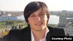 Недавно Гиви Валиев выступил и в роли режиссера: его дебютный спектакль «Прощай, овраг!» стал обладателем главного приза фестиваля национальных театров «Сцена без границ»