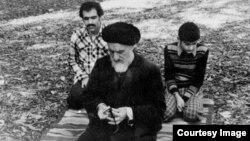 محمود طالقانی که در سال ۱۳۵۷ از سوی آیتالله روحالله خمینی به عنوان امام جمعه تهران معرفی شده بود٬ در شهریور ۱۳۵۸ درگذشت.