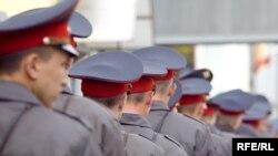 Ночь накануне Дня России стала для российских милиционеров по-настоящему черной