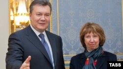 Катрін Аштон і Віктор Янукович під час попередньої зустрічі, 10 грудня 2013 року