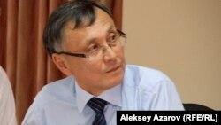 Бұрынғы дипломат Қазбек Бейсебаев.