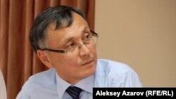 Қазбек Бейсебаев, бұрынғы дипломатиялық қызметкер. Алматы, 9 қыркүйек 2013 жыл.