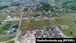 15 соток землі в елітному селищі Ходосівка під Києвом, викуплені за 400 тисяч гривень через «СЕТАМ»