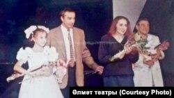 Гафур Каюмов (сулдан икенче) сәхнәдә