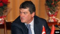 Албанскиот претседател Бамир Топи