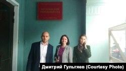 Андрей Пивоваров, Наталья Грязневич, Мария Зинченко после суда