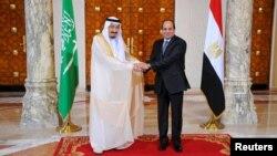 رهبران عربستان سعودی و مصر در کنار یکدیگر