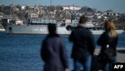 Русиянең хәрби көймәсе Акъяр ныгытмасына кайта