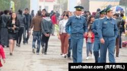 Туркменабат (архивное фото)