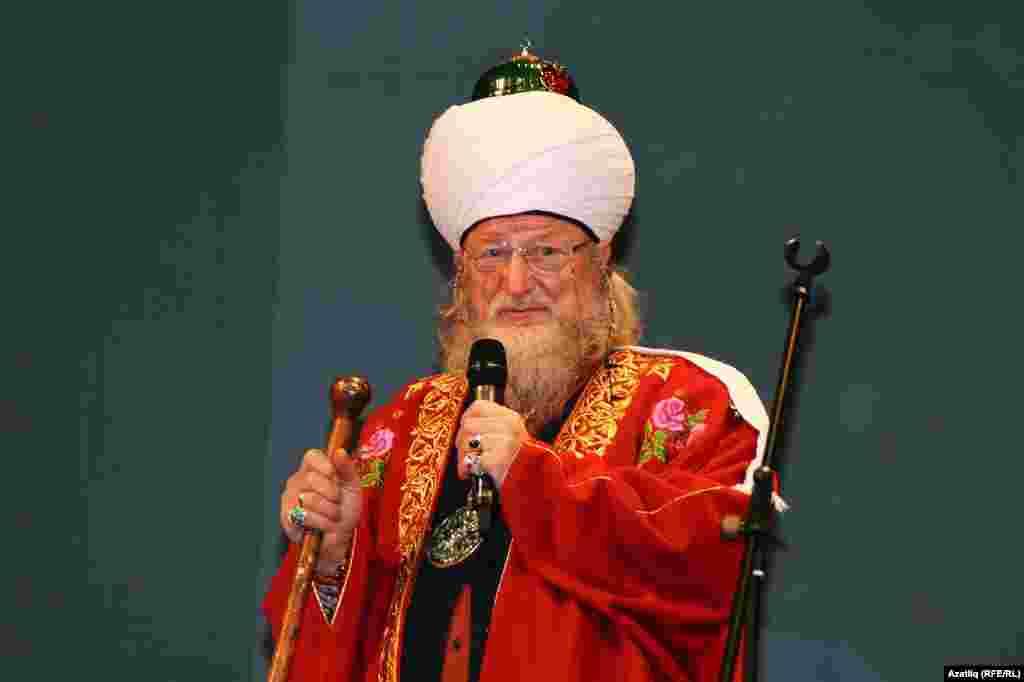 Русия үзәк диния нәзарәте рәисе Тәлгать Таҗетдин