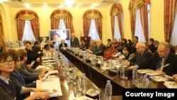Москва мамлекеттик лингвистикалык университетинде Ч.Айтматовго арналган конференция.
