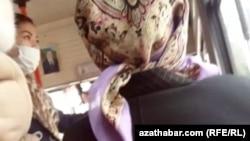 Среди населения Туркменистана все больше людей пользуются медицинскими масками, Ашхабад, 3 февраля, 2020