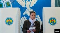 Молдова парламент сайловида ҳозирча мутлақ ғолиб аниқлангани йўқ.