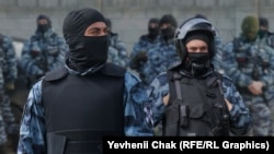 Російські силовики затримали кримських татар на Керченському мосту