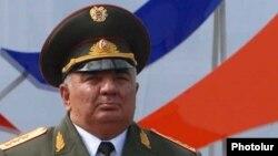 Начальник Генштаба ВС Армении Юрий Хачатуров (архив)