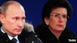 Владимир Путин и бывший спикер грузинского парламента Нино Бурджанадзе на открытии мемориала