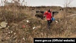 Експерти роблять заміри щодо випарів ртуті на території колишнього заводу «Радикал», Київ, 10 грудня 2019 року