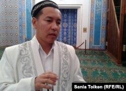 Главный имам Атырауской области Амантай Садиев. Атырау, 12 сентября 2012 года.