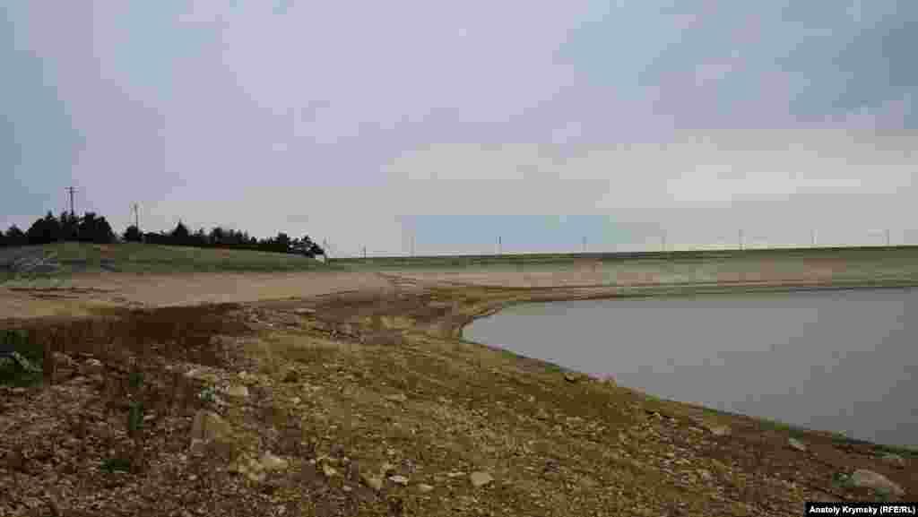 Плотина Белогорского водохранилища
