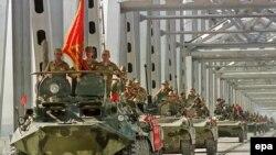 საბჭოთა ჯარი გამოდის ავღანეთიდან