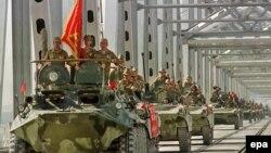 Совет әскері Ауғанстан шығып барады. 21 мамыр 1988 жыл. (Көрнекі сурет)