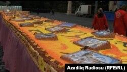 Prezidentin ad günündə bişirilmiş 51 metrlik tort, 2012