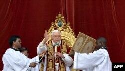 پوپ بېنیډېکټ