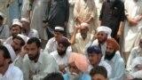 اشرفي وايي، د نورو ملکونو په پرتله په پاکستان کې د مذهبي اقليتونو مسالې کمې دي.(انځور له ارشیفه)