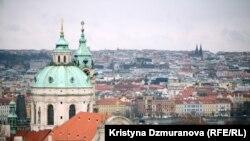 Провідною релігійною конфесією в Чехії є католицька церква. Із загального числа віруючих католицизм сповідують 86,6% чехів.