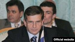 Власть не может обойтись без Михаила Зурабова.