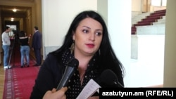 Armenia - Journalist Siranuysh Papian is interviewed by colleagues, 25April, 2016